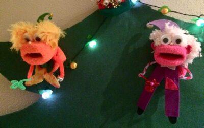Decora tu árbol de navidad con una marioneta calcetín 🎄
